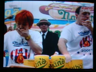 Kobayashi(left), Joey Chestnut (right)